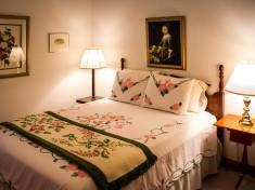 bedroom-374977_960_720