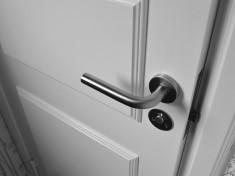 semi-open-white-wooden-door-965878